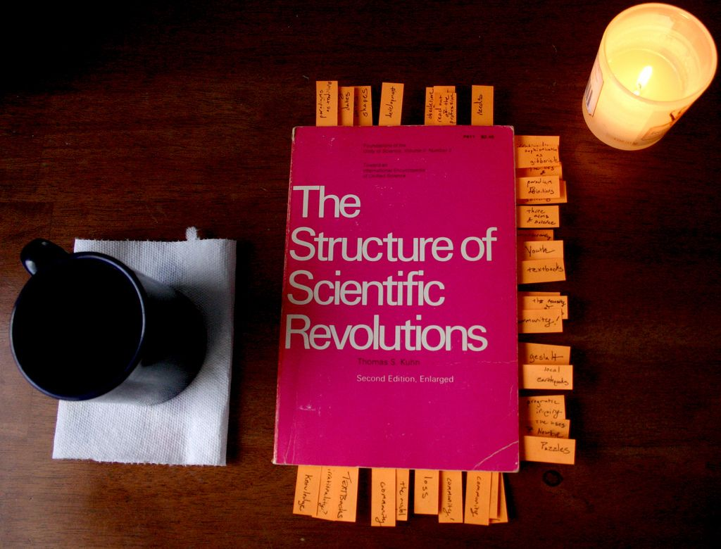 Book Review: The Structure of Scientific Revolutions